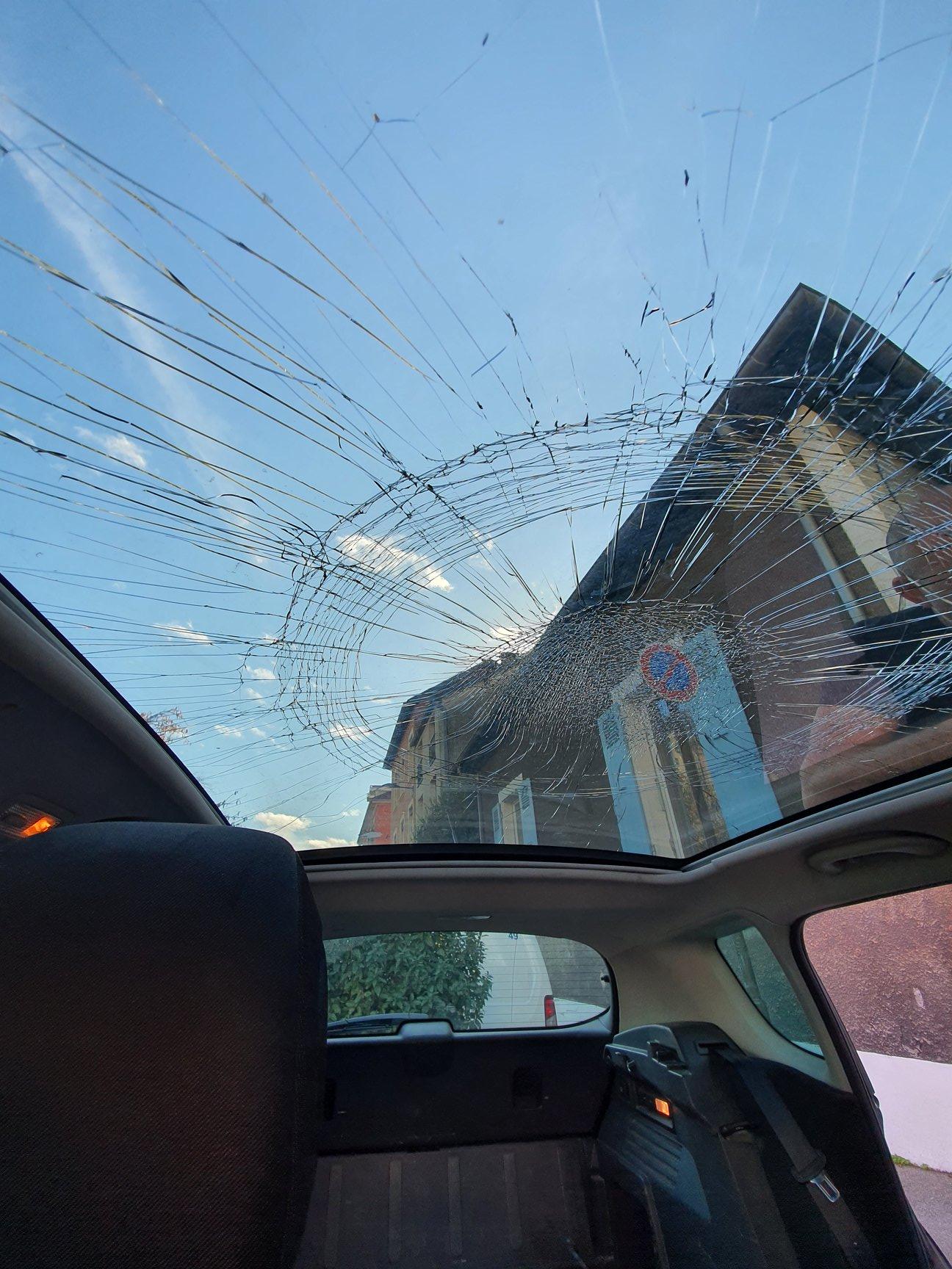 Autoglassfrance - Toit panoramique 5008 cassé
